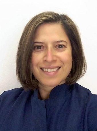 Dra. Claudia Nascimento